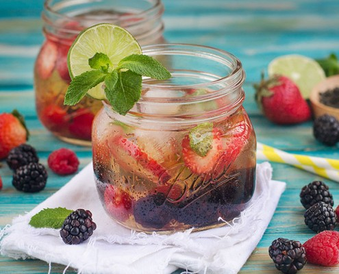 All-Natural Berry Iced Tea