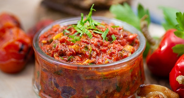 sweet pepper and sundried tomato dip with roasted garlic
